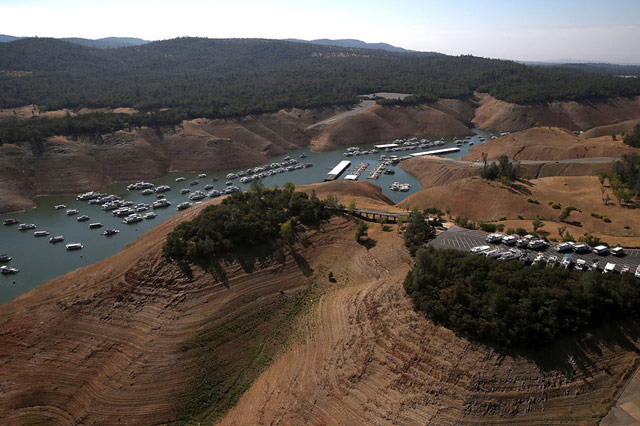 http://kottke.org/14/09/california-drought-photos