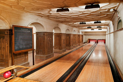 Frick bowling saloon