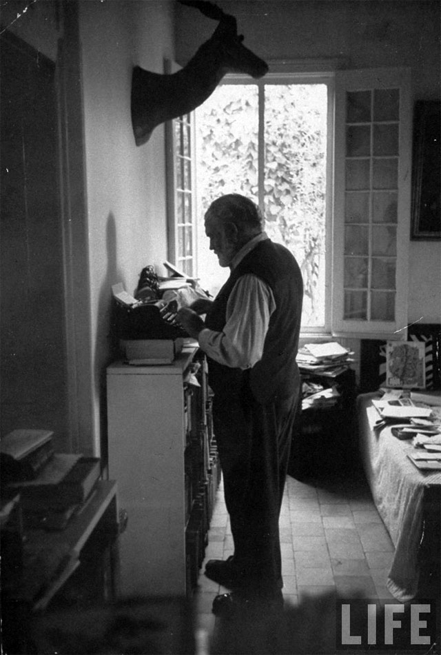 Hemingway Standing Desk