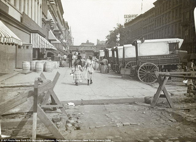 42nd Street in 1890