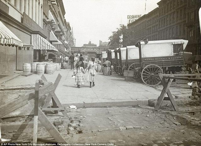42nd Street in 1890