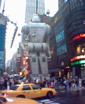 Giant robot terrorizes NYC